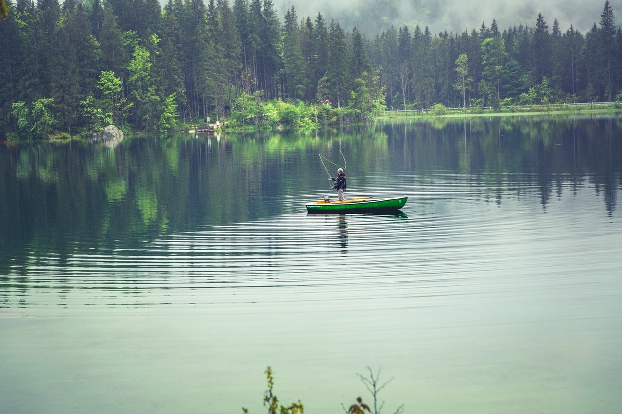 boat-fisherman-fishing-102730